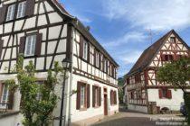 Odenwald: Fachwerkhäuser am Mühlgraben in Großsachsen - Foto: Stefan Frerichs / RheinWanderer.de