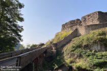 Odenwald: Eingang zur Ruine der Schauenburg - Foto: Stefan Frerichs / RheinWanderer.de