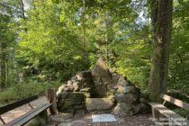Odenwald: Drei-Eichen-Brunnen bei Dossenheim - Foto: Stefan Frerichs / RheinWanderer.de