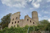 Odenwald: Palas und Bergfried der Strahlenburg bei Schriesheim - Foto: Stefan Frerichs / RheinWanderer.de